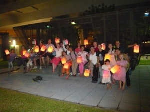Photo-of-yogis-playing-lantern-300x225