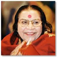 Shri-Mataji-clapping-hands